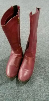 pair of red leather round toe knee-high boots Mississauga, L5R 3S3
