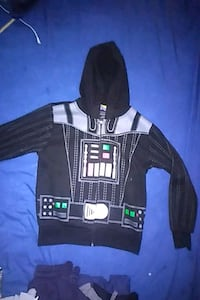 Star Wars zipup hoodie/Boys size small London, N6H 1M9