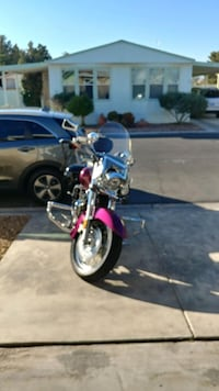 Kelly magenta and black cruiser motorcycle Las Vegas, 89122