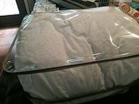 White queen sized bedspread Overland Park, 66214
