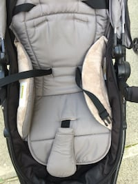 Baby's gray and black car seat carrier Нью-Йорк, 10314