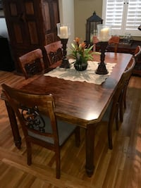 Dinning table and chairs Los Angeles, 91401
