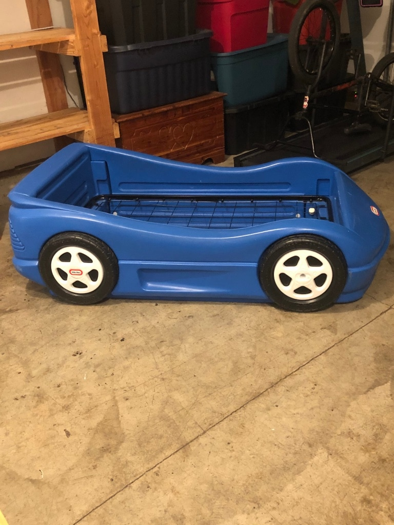 Photo Blue Little Tikes Car Bed