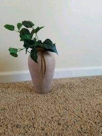 Clay Home Decor Plant Holder Williamsburg, 23185