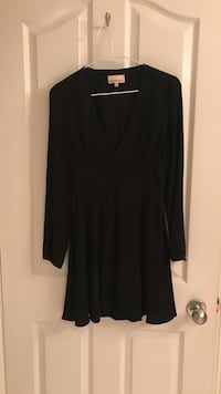 women's black v-neck long-sleeved mini dress
