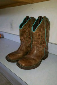 pair of brown leather cowboy boots Sharpsburg, 21782