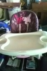 baby's white and pink high chair Breaux Bridge, 70517
