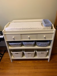 Pottery Barn Changing Table (Off-white)