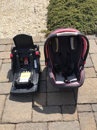 baby's black and pink car seat carrier Beach Haven, 08008