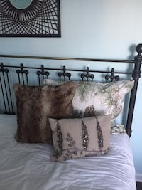 Pottery Barn Snow Pine Duvet and Pillows 22 km