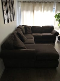 Sectional couch  Barrie, L4N 7V3