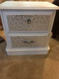 Beautifully Hand Painted Heavy Wood End Table /Night Stand Laurel