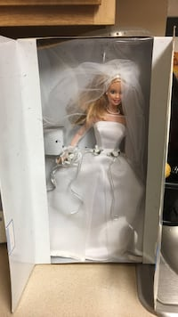 Barbie doll in wedding dress with box Wilmington, 19801