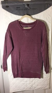 Xtra small. American eagle tunic sweater. Fits like a small/medium  41 km