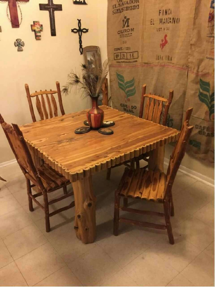 used one of a kind cader table with 4 chair s for sale in sealy letgo rh us letgo com