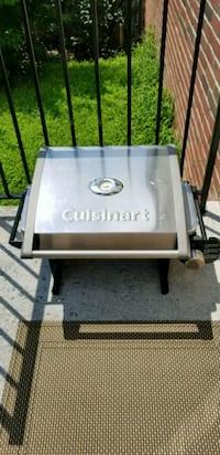 Cuisinart portable grill Round Hill, 20141
