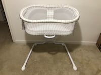 HALO bassinet glide sleeper