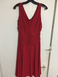Size 12 red sleeveless dress Ottawa