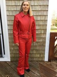 Women's red leather suit size 10 Duxbury, 02332