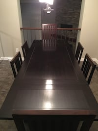 Dining room set - table and 6 chairs Hamilton, L8L 3G4