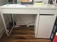 White Desk w/drawers for cheap Alexandria, 22304