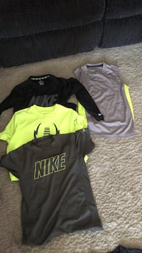 Black and green nike crew-neck t-shirts Windsor, 95492