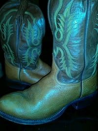 pair of green-and-brown leather cowboy boots Garland, 75040