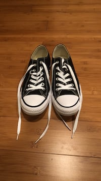 Black Low-Top Converse Chucks Size 7 Womens Shoes Sneakers Oakton, 22124