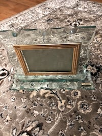 Glass heavy picture frame only $5 Barrie