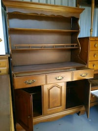 brown and white wooden hutch desk Oxon Hill, 20745