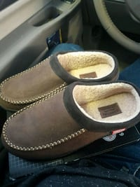 Wool type slip on shoes brand new!! Levis Bowling Green, 42104