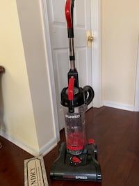 Vacuum cleaner, light weight and bag less  Princeton, 08540