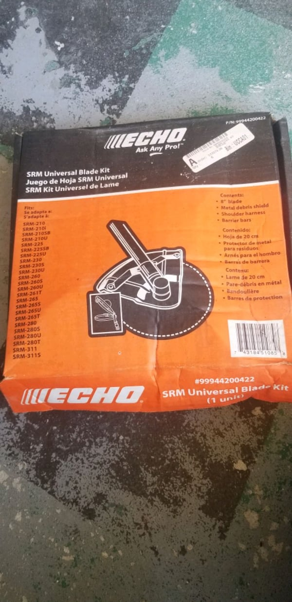 Echo SRM-230 Gas Trimmer with Universal Blade Kit  af000e42-4a9b-490e-accd-f75409d80a33