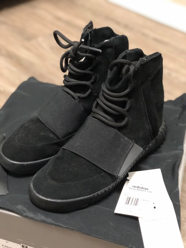a51d813c8 Adidas Yeezy Boost 750 Triple Black size 9