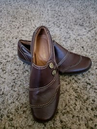 pair of brown leather loafers Rancho Cucamonga, 91730