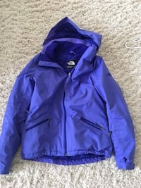 The North Face winter jacket. Lightly used, great condition. Size small Edmonton, T5H 3B1