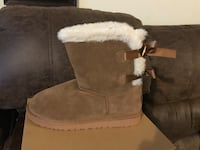 Uggs boots size 7,8,9,&10 available