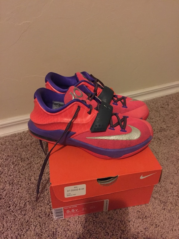 5b4bb1d853130 Used Pink and purple KD tennis shoes for sale in Oklahoma City - letgo