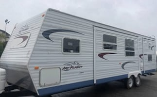 2005 Jayco Jay Flight 31 Ft. Trailer Bunk Outside painted