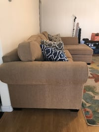 Beautiful 2-piece couch with chaise lounge San Jose