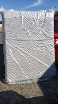 New Queen Size Sealy Hybrid Mattress Only