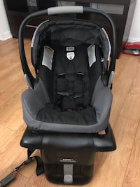 Britax B-safe car seat with Booster Beaconsfield, H9W 5X1