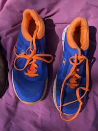 Sneakers size 8.5 Plant City, 33565