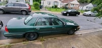 Ford - Crown Victoria - 2000