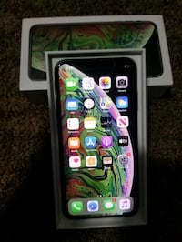 iPHONE XS MAX 64GB NEVER USED PLEASE READ!! DEAL GET iPhone YOU WANT!!