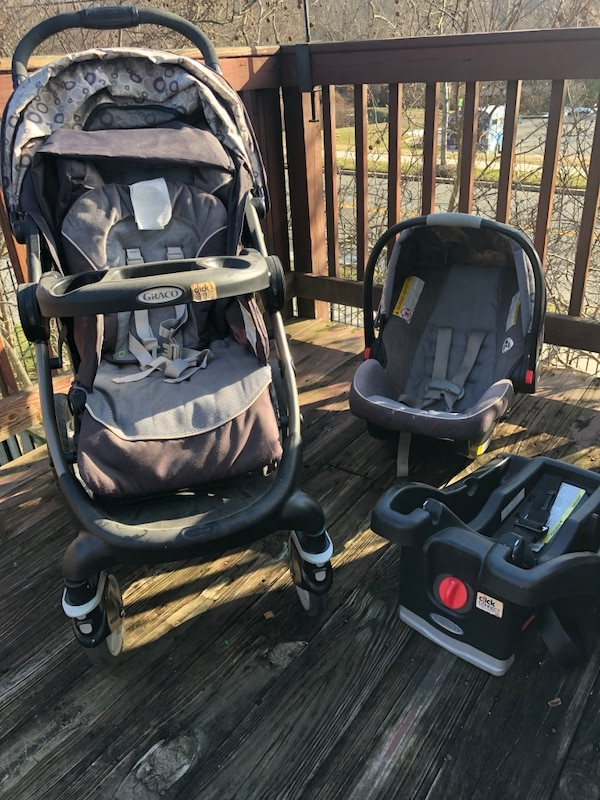 Graco Car Seat, Base and Stroller Travel System cd5418b7-4621-46e7-b82e-dffd784b0d6f