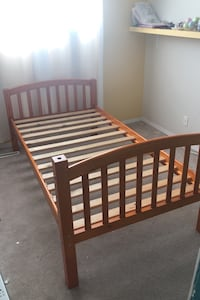Wooden Bed Frame (Twin size)