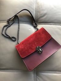 Camelia Roma Red and burgundy leather crossbody bag