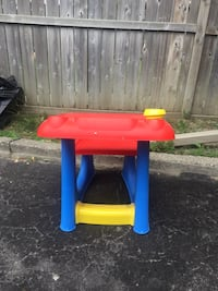 red and blue plastic table Toronto, M6L 1R7