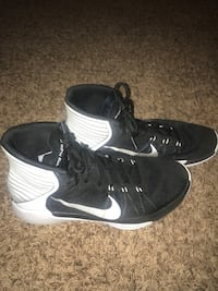 Nike basketball shoes good condition. Not worn very much. Size 10.5. 35 dollars  Ada, 74820